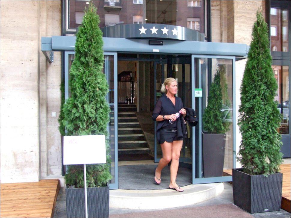 DITEC automata ajtó a szálloda iparban - Hotel Regency Suites Budapest