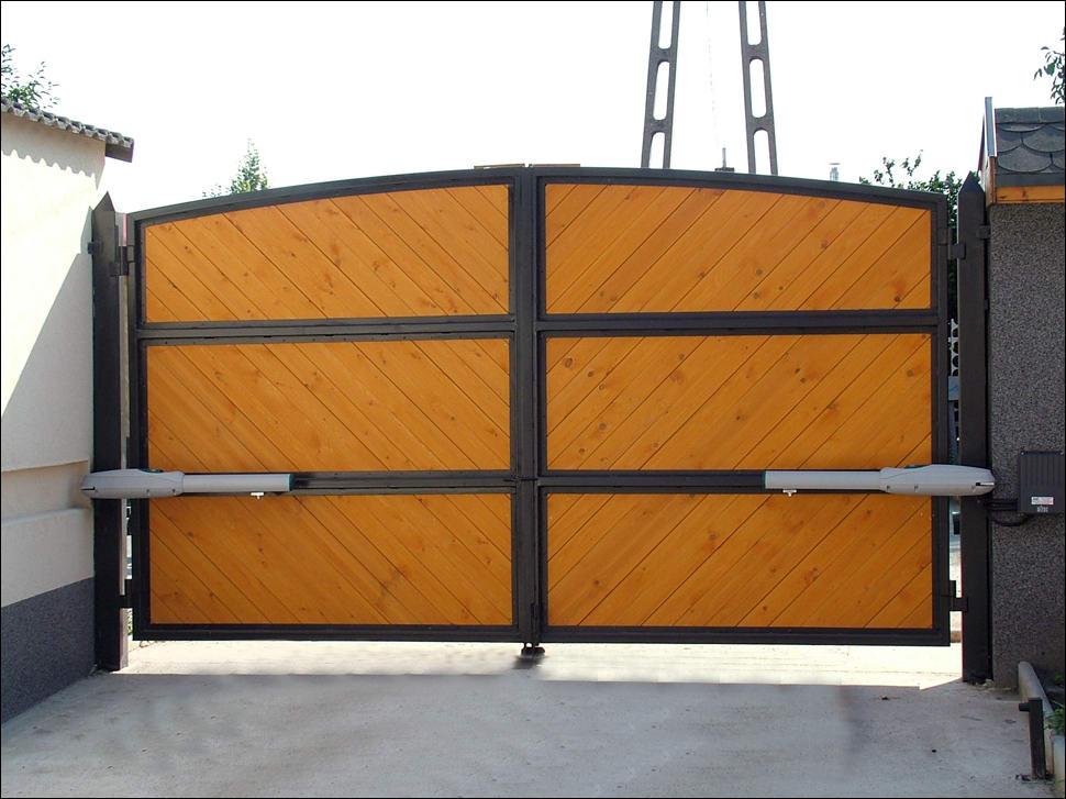 LUXO kapunyitó nagyméretű szárnyas kapukra